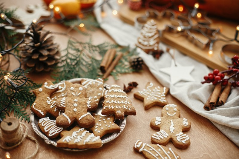Gingerbread cookies and festive decor